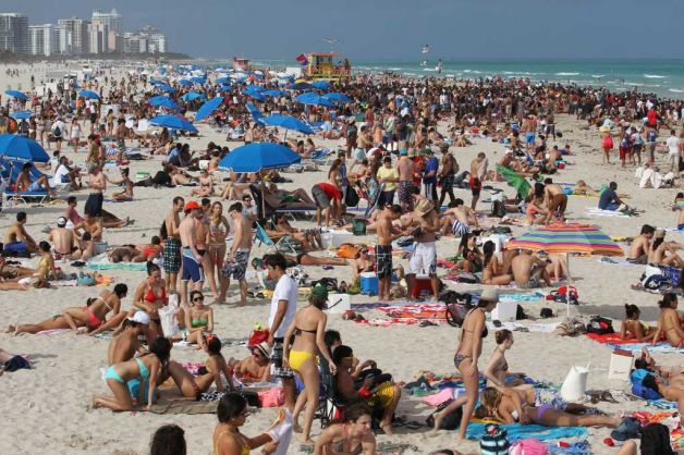 Spring Breakers On Miami Beach Best Break Locations The Local